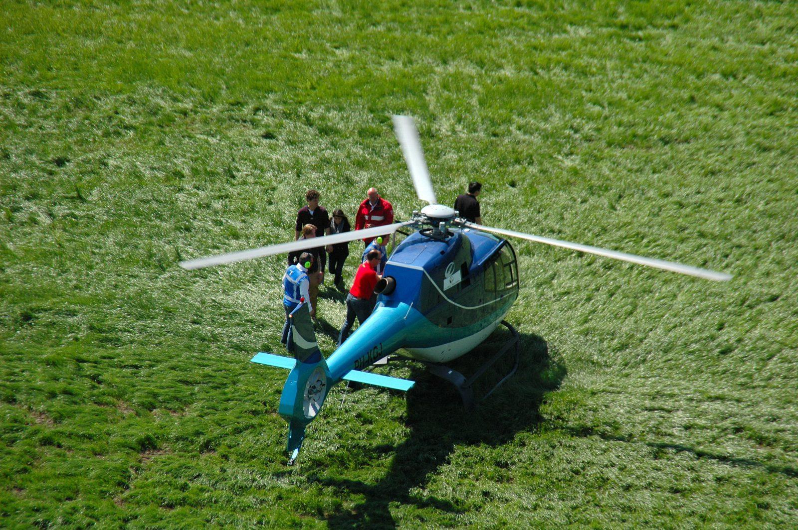 Helikopter rondvlucht crew